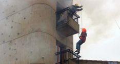 Simulacro de los bomberos en el parque de Soria. / SN