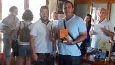 El ganador con el trofeo./FCCyL