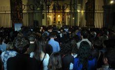 El templo parroquial de Los Milagros, desbordado en la despedida del joven. / SN