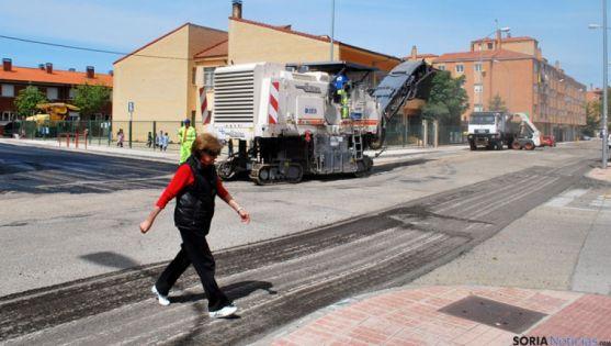Obras de asfaltado en la zona de Santa Bárbara el año pasado.