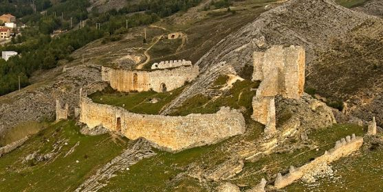 Una imagen del castillo de Osma.