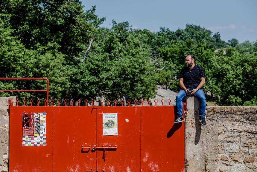 Dani Andrés en la puerta de La Saca. David Almajano