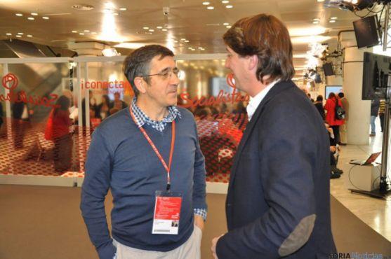 Patxi López y Carlos Martínez en la Conferencia del PSOE