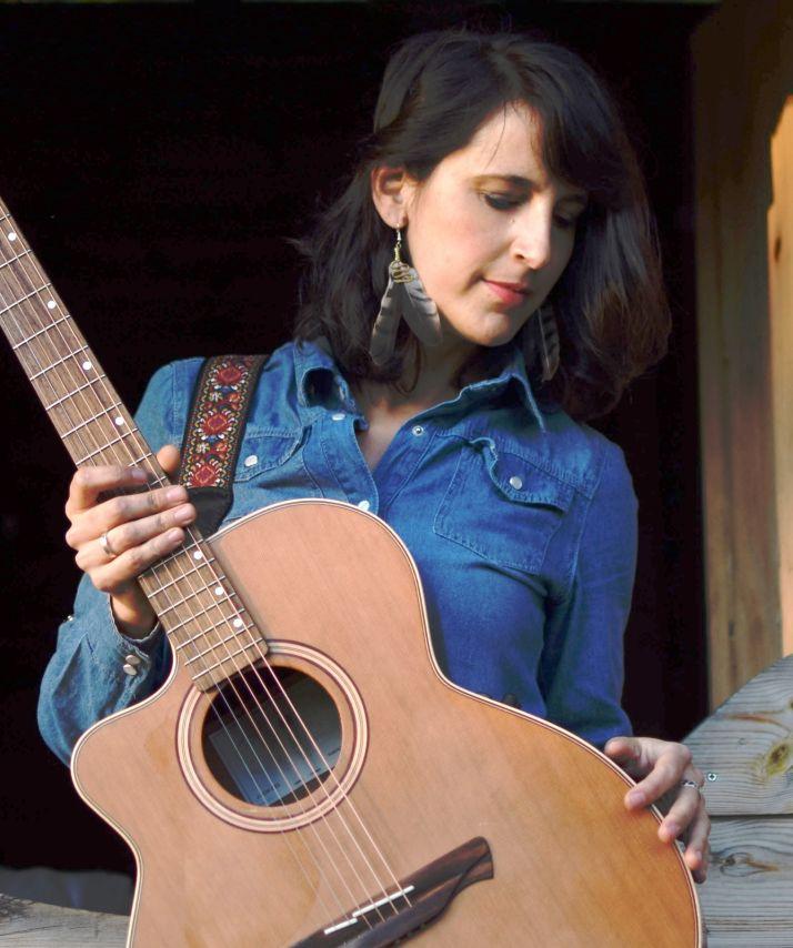 """Entrevista a Cardelina: """"La música tiene futuro en el medio rural, puede ser una salvación para los que nos quedamos""""   Imagen 1"""