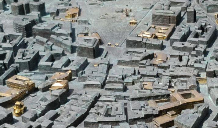 El reto: ¿Eres capaz de identificar los 49 edificios dorados de la gran maqueta de Soria? | Imagen 2