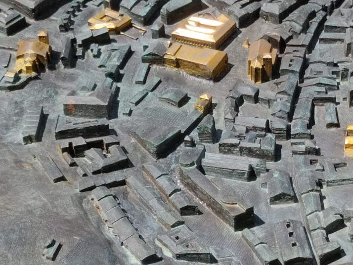 El reto: ¿Eres capaz de identificar los 49 edificios dorados de la gran maqueta de Soria? | Imagen 4
