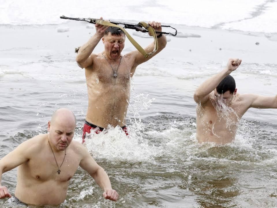 Los sorianos se toman con humor el mal tiempo previsto para San Juan | Imagen 6